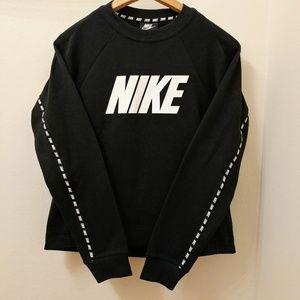 NWT Nike Black Crewneck Loose Fit Sweatshirt